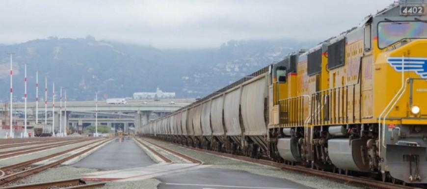 Seaport-Logistics-Center-Train
